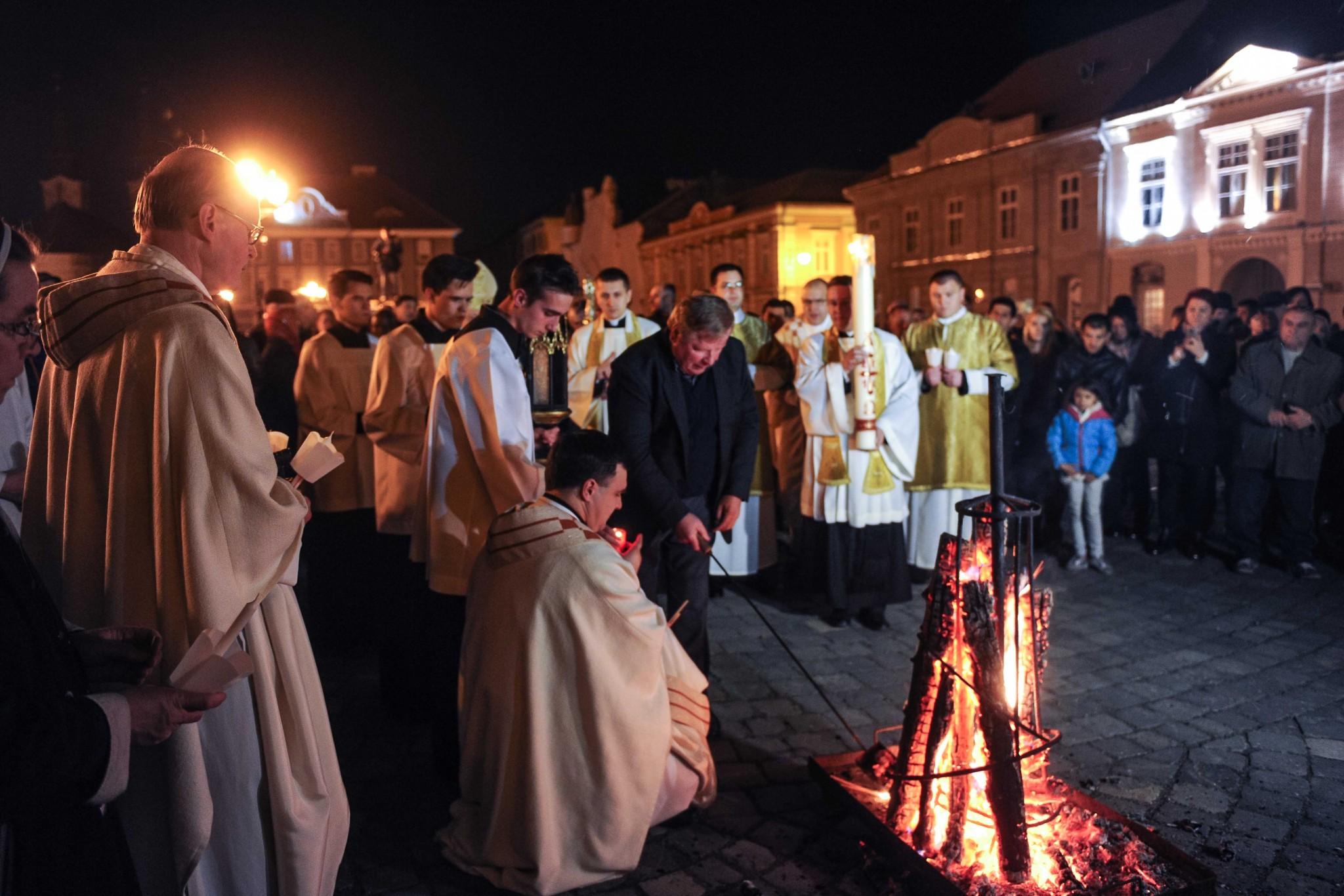 ... credincioșilor romano-catolici! Pastorala de Paşti a PS Martin Roos