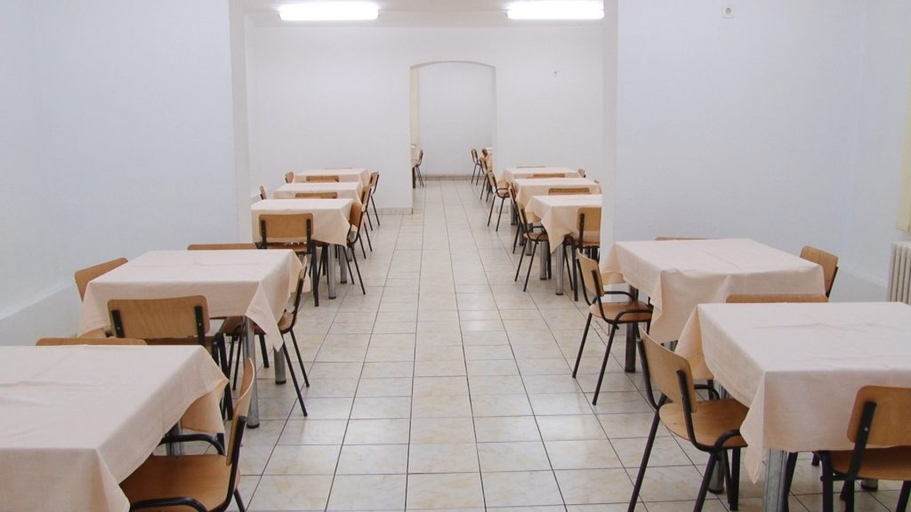 cantina-liceul-pedagocic-carmen-silva.Still048-1024x576