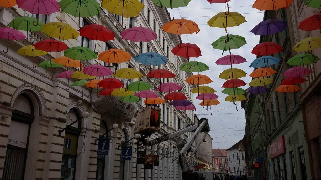 umbrele-colorate-timisoara-2