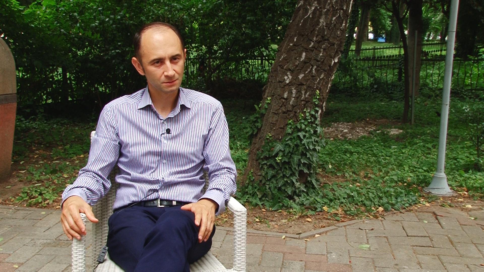 INTERVIU ALIN NICA.Still012