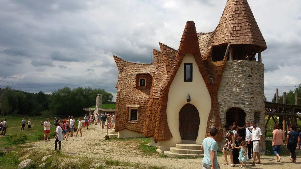 Castelul de lut 9