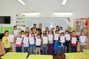 elevi centru incluziune desene (15)