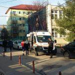 Ambulanța a intervenit de urgență pentru o persoană tăiată (2)