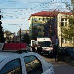 Ambulanța a intervenit de urgență pentru o persoană tăiată (4)