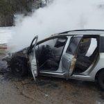 incendiu la autoturism in Moldova Noua (1)