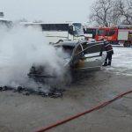 incendiu la autoturism in Moldova Noua (3)