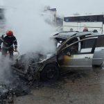 incendiu la autoturism in Moldova Noua (4)
