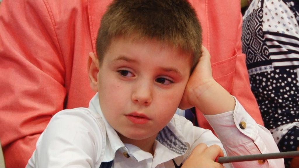 """Tudor Șerban, cel mai tânăr autor, debutează la Bookfest cu volumul """"Tata, eu glumesc serios!"""".Still017"""